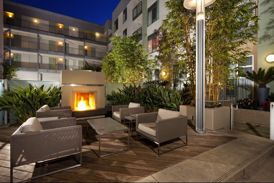 Glamour apt in heart of Hollywood