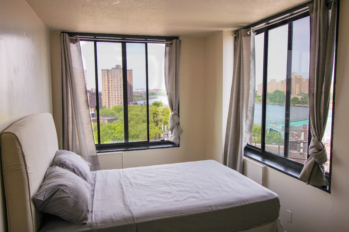 Room with Splendid Water View