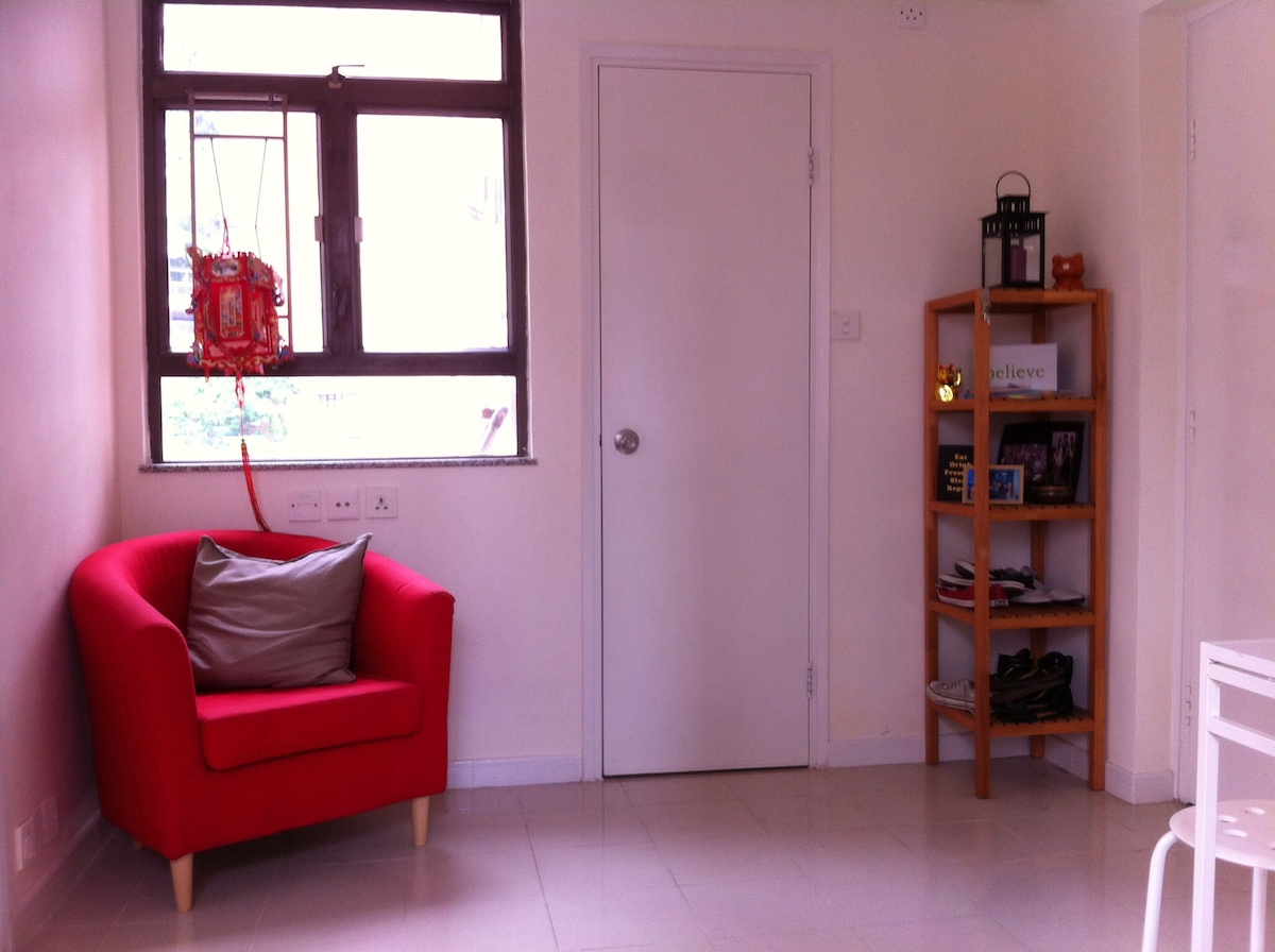 2 bed flat in Wanchai  UNTIL AUG 31