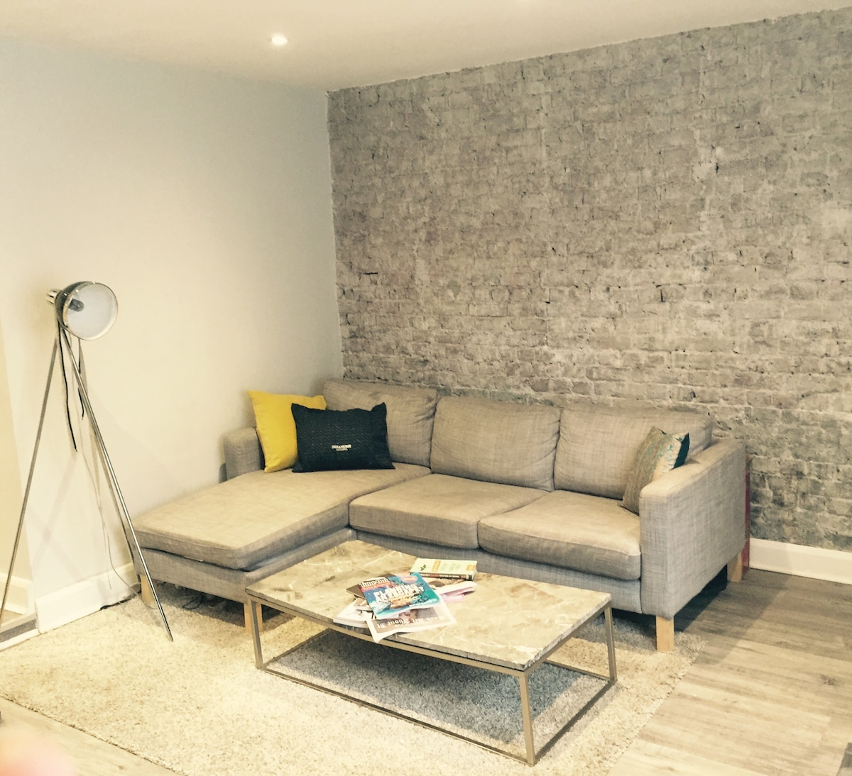 Newly Renovated, Modern Apartment