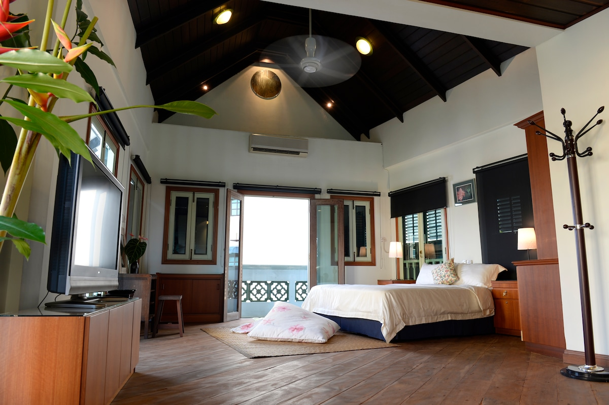 Private loft suite in Kuching city