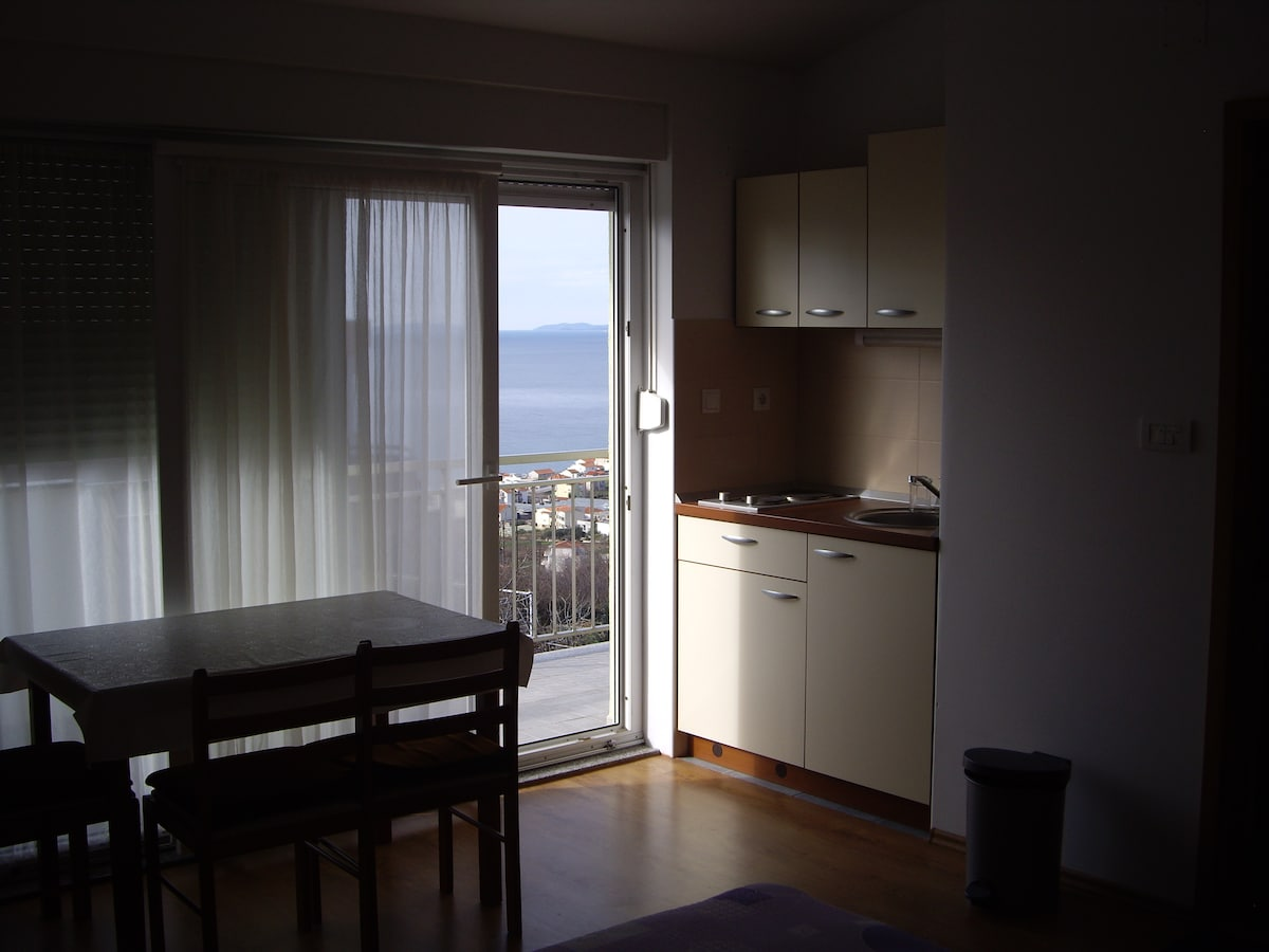 Sea view for two