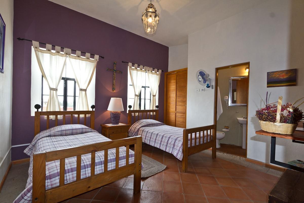Habitación  Morada- San Miguel
