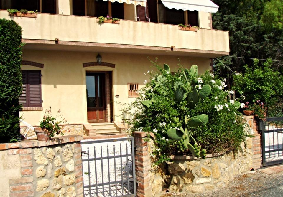 Nice two-rooms apartment in Cecina