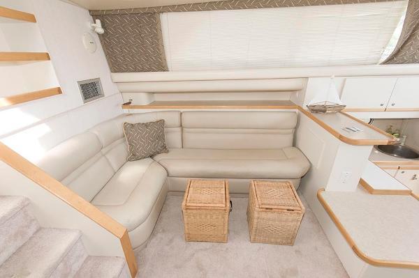 Beutiful 37 ft Cruiser Yacht
