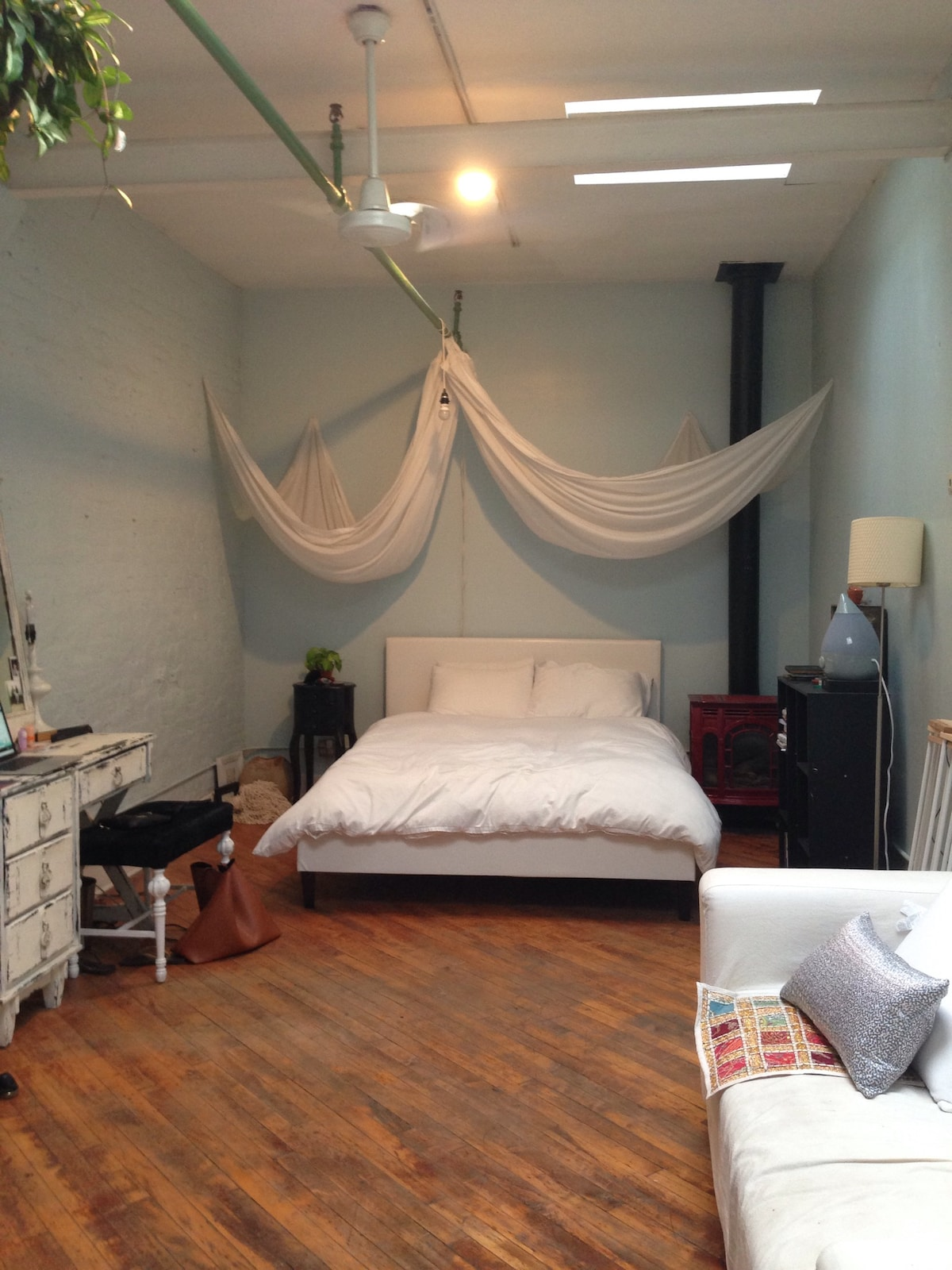 Huge loft room in Brooklyn