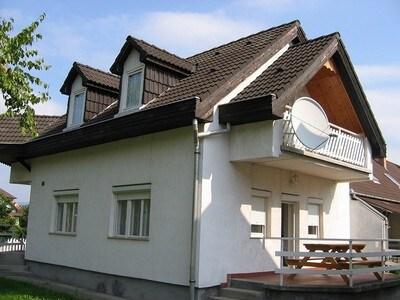Bogácson strandhoz közel ház kiadó