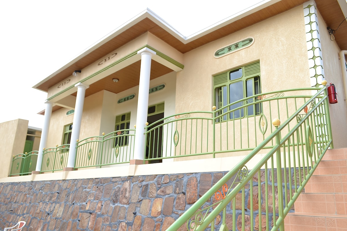 Affordable Guest House in Town!