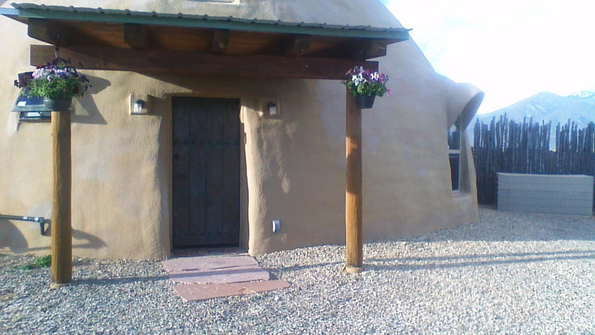 Dome Casa in Taos County
