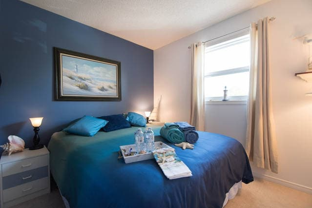 Ottawa Accommodations-Queen Bed