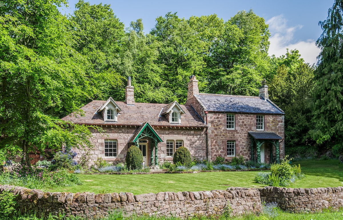 Secluded country cottage