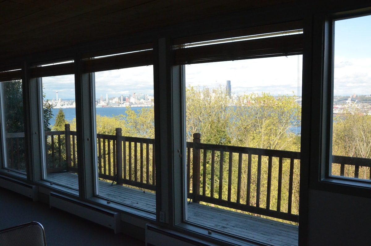 1 Bedroom Studio with a serene view