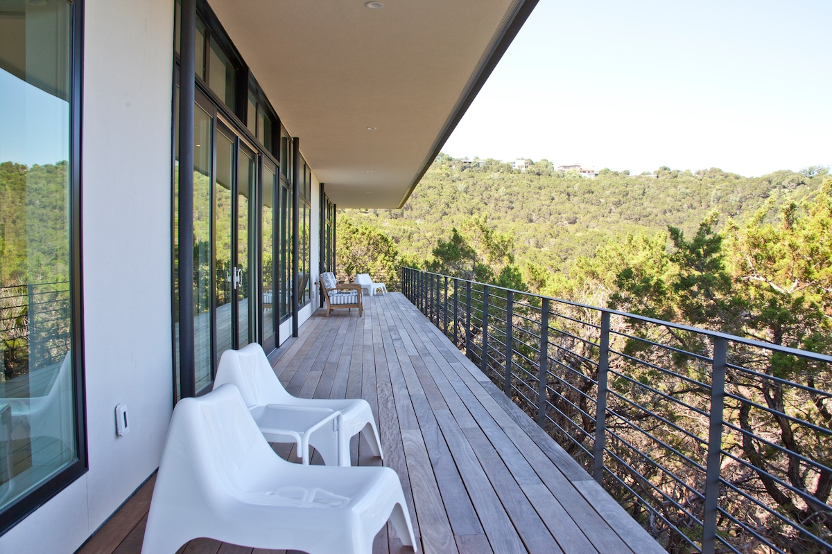 Hill Country Getaway - Room W/View