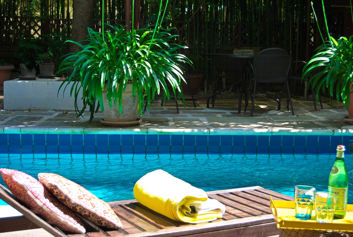 Kifisia cottage with swimming pool