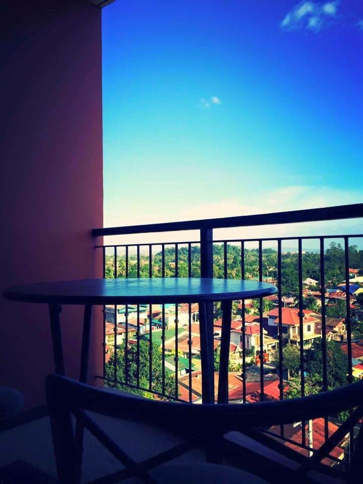 Beautiful Fully Furnished 2BR Condo