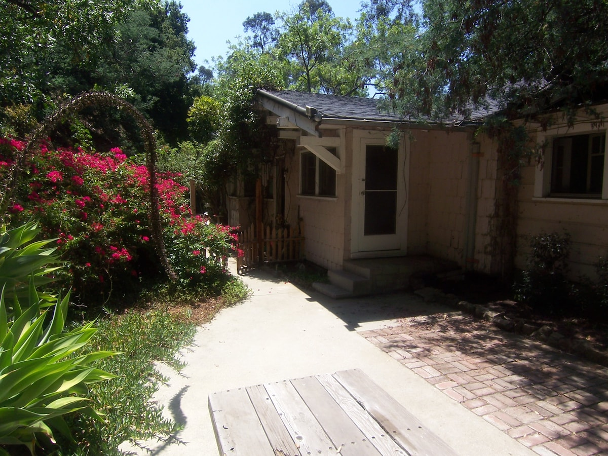 Laurel Canyon Lodge - North Wing
