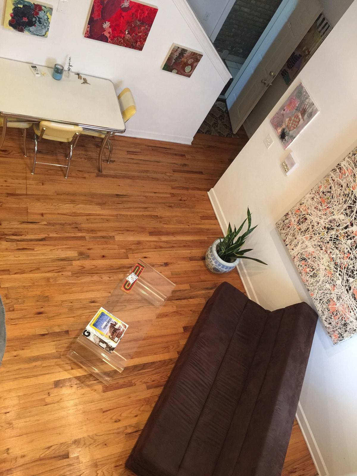 Artist's Loft/Gallery: 3 bedrooms