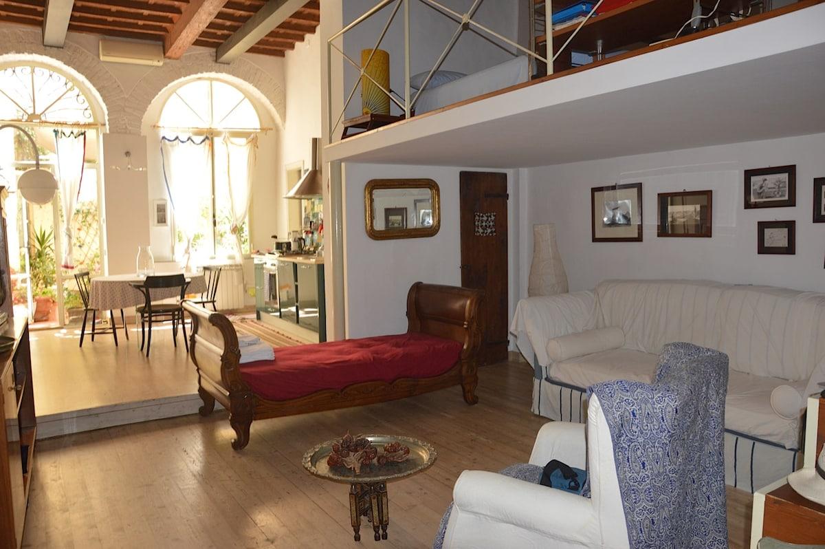 beautiful loft/garden Ponte Vecchio
