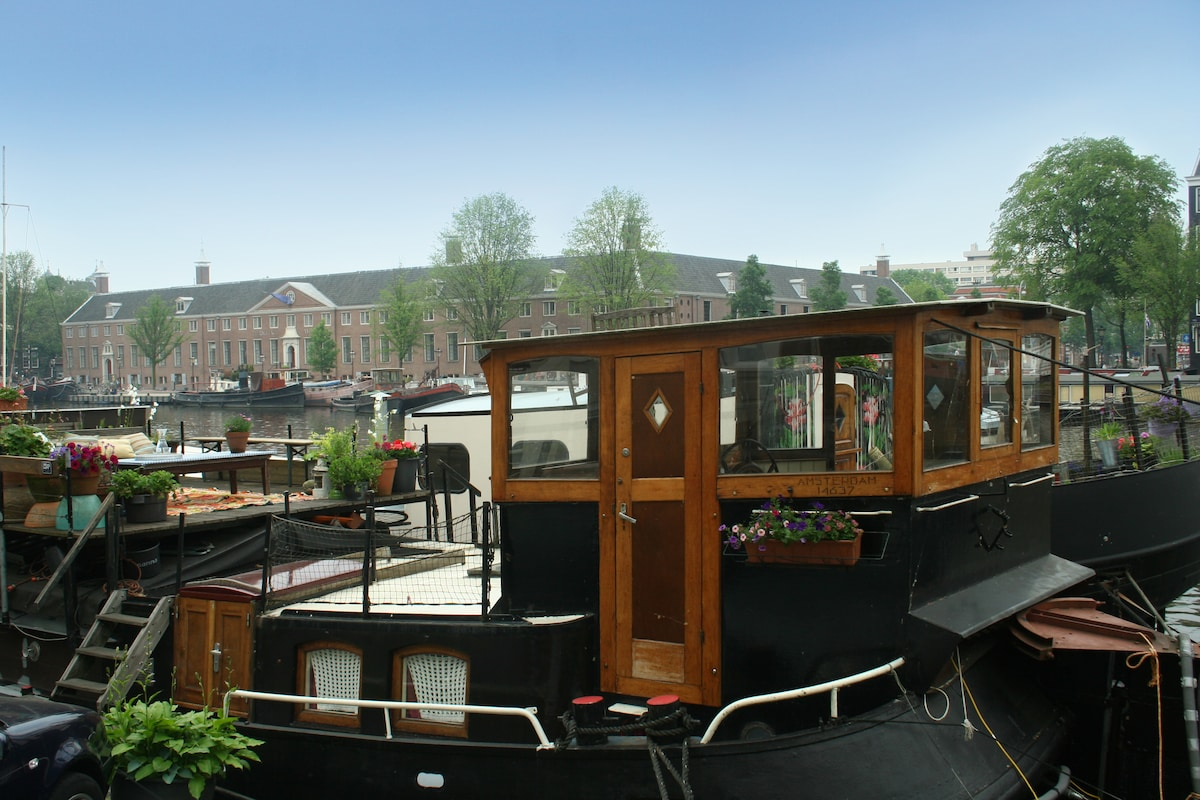 charming houseboat in Amsterdam