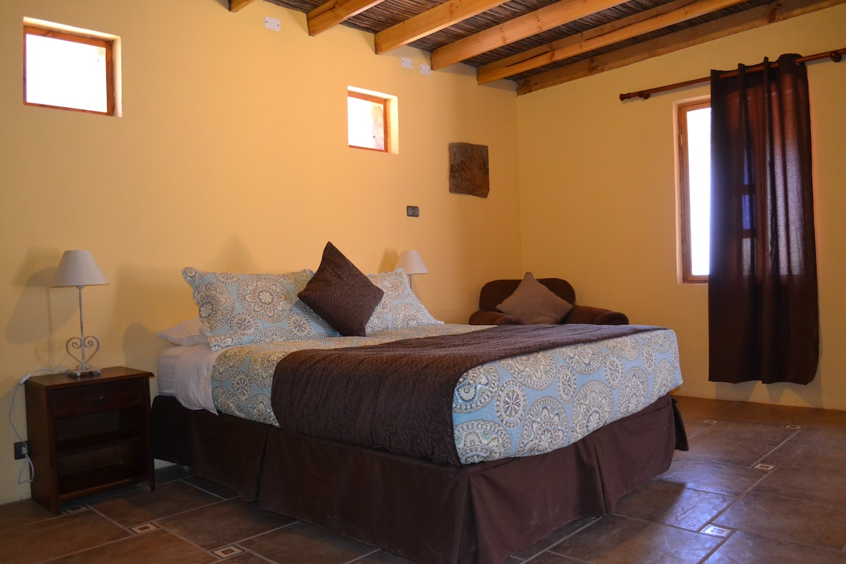 Beautiful cottage for 2, center