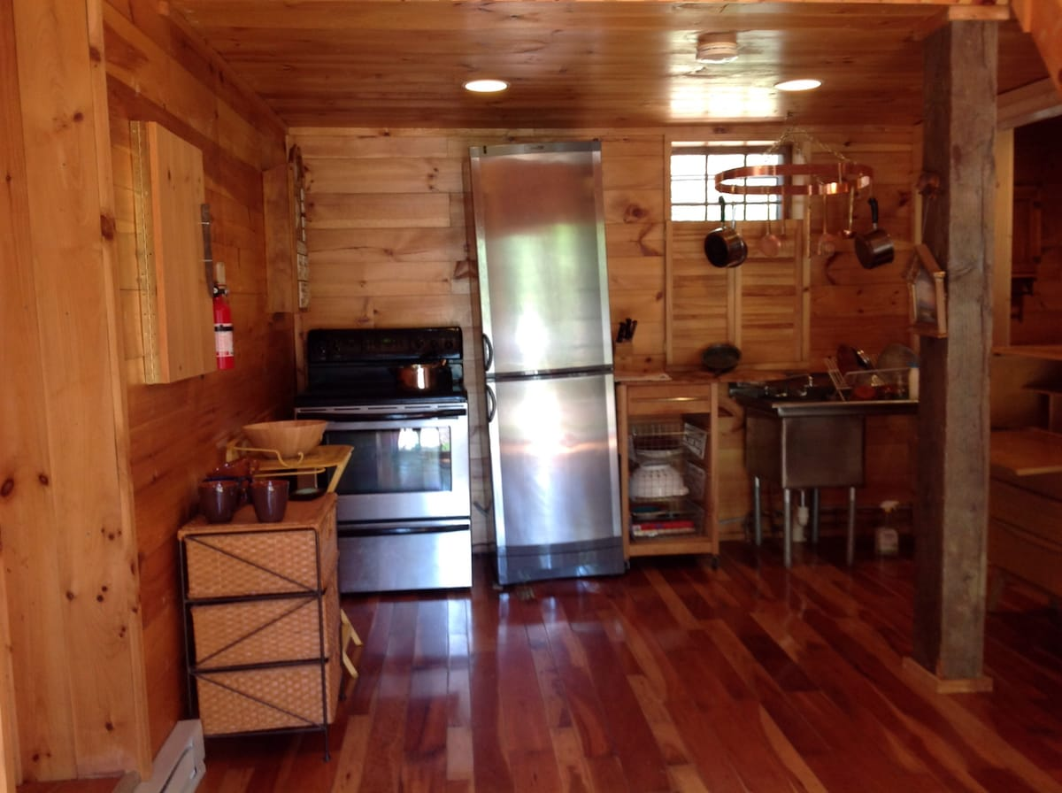 Barn Apartment Available 10/16/2015