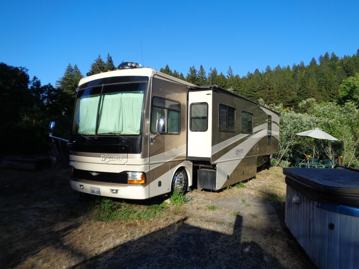40-ft RV on the Russian River