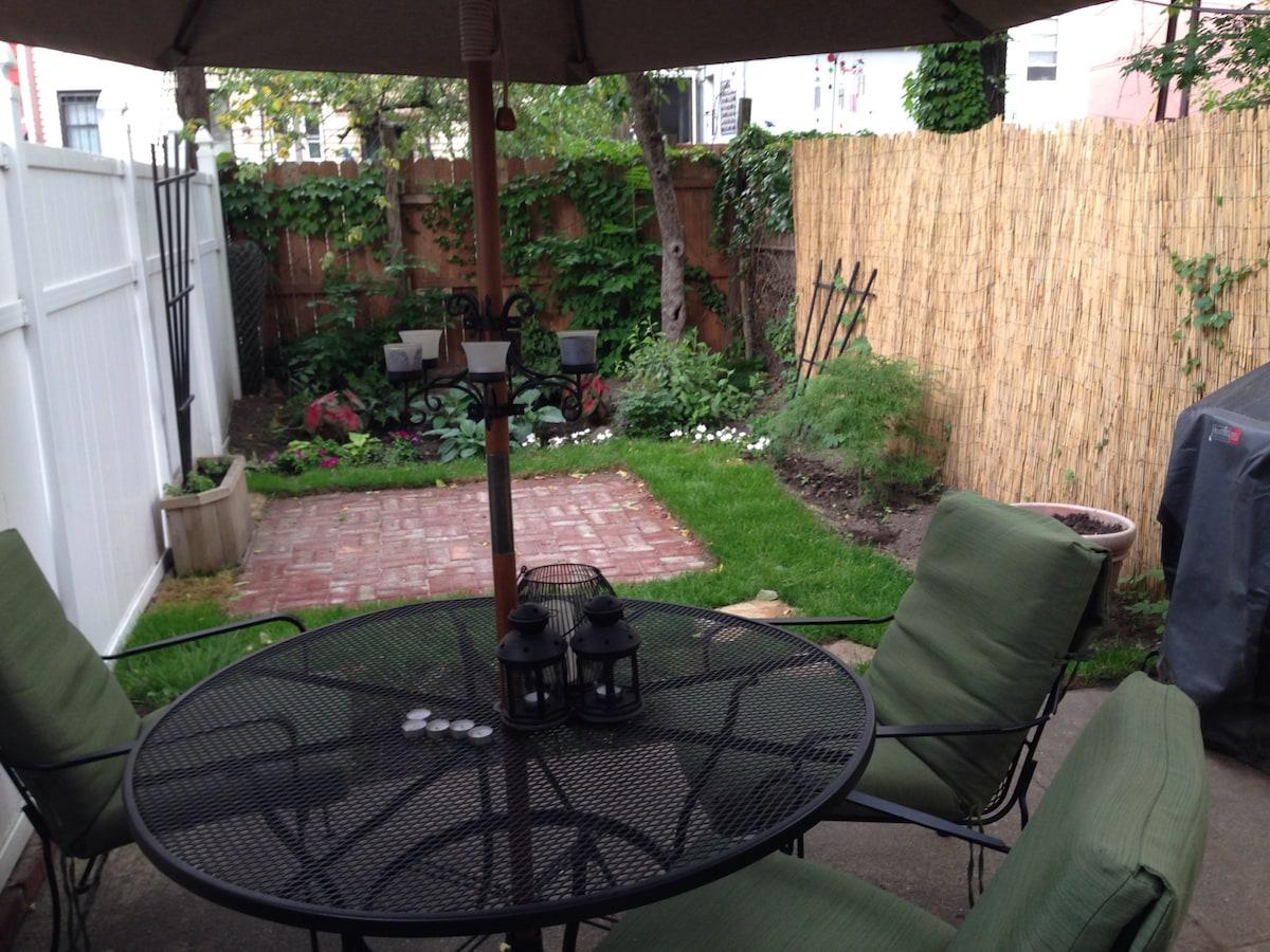 Large Garden Oasis in Brooklyn