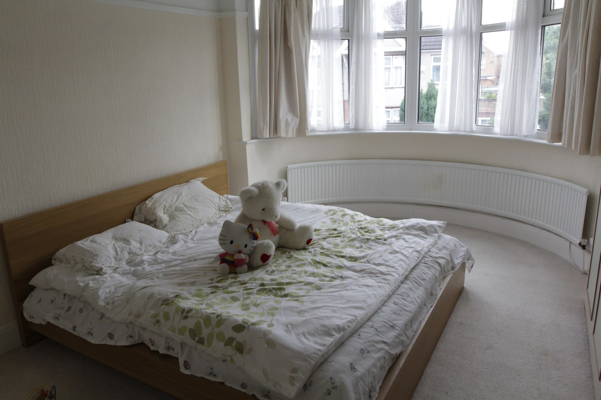 Nice double bed room!