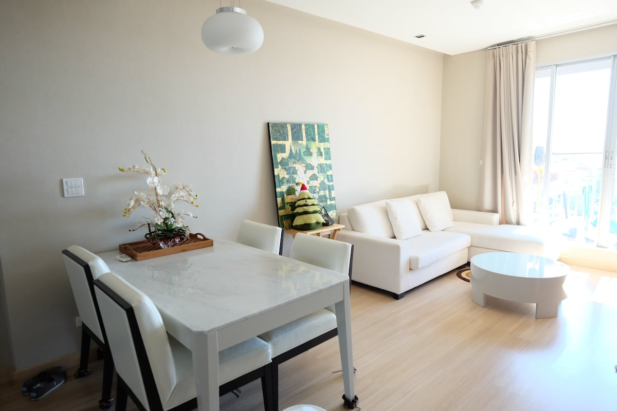 2BR PanoView+Airportlink/BTS