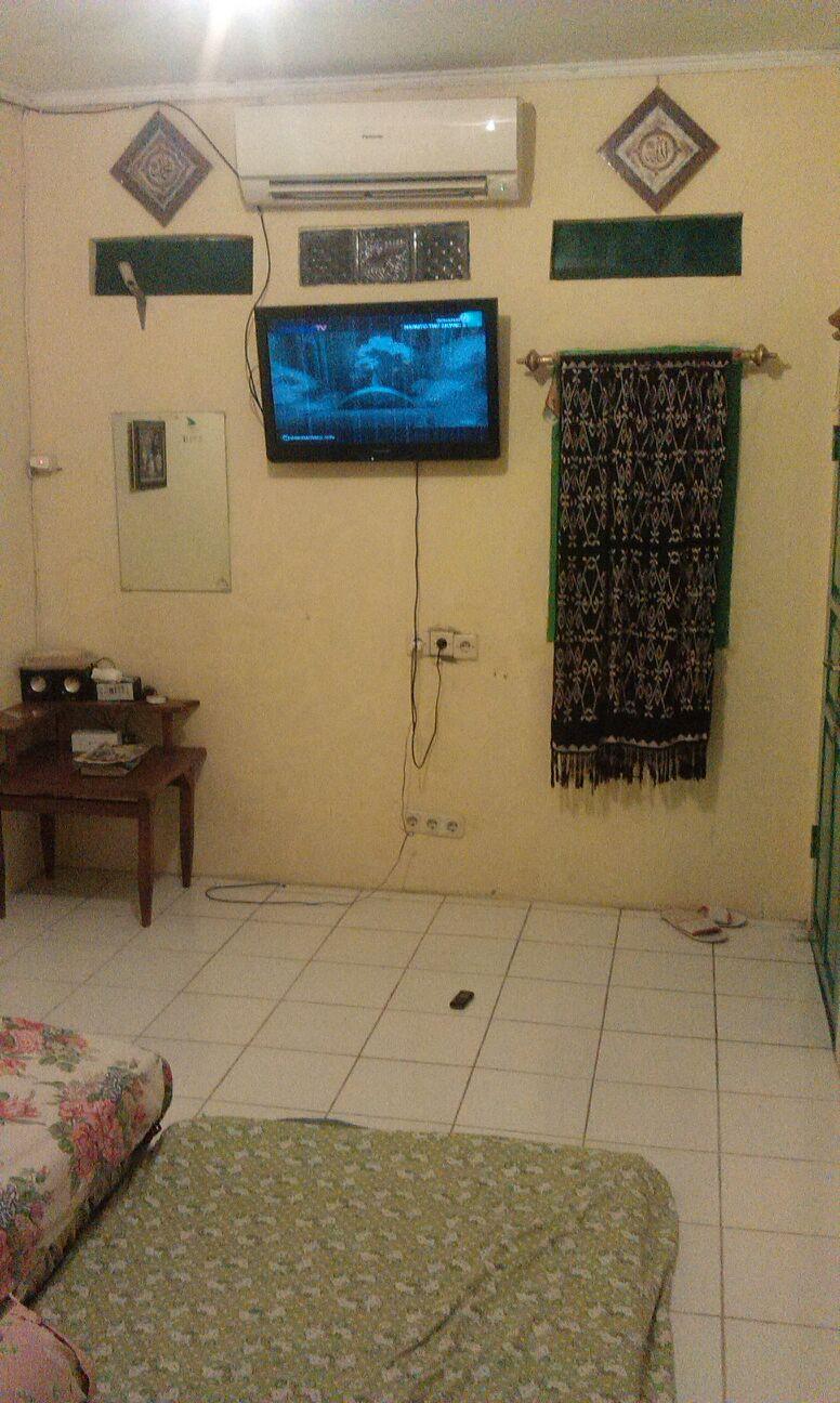 Local Minimalist Room with AC & TV