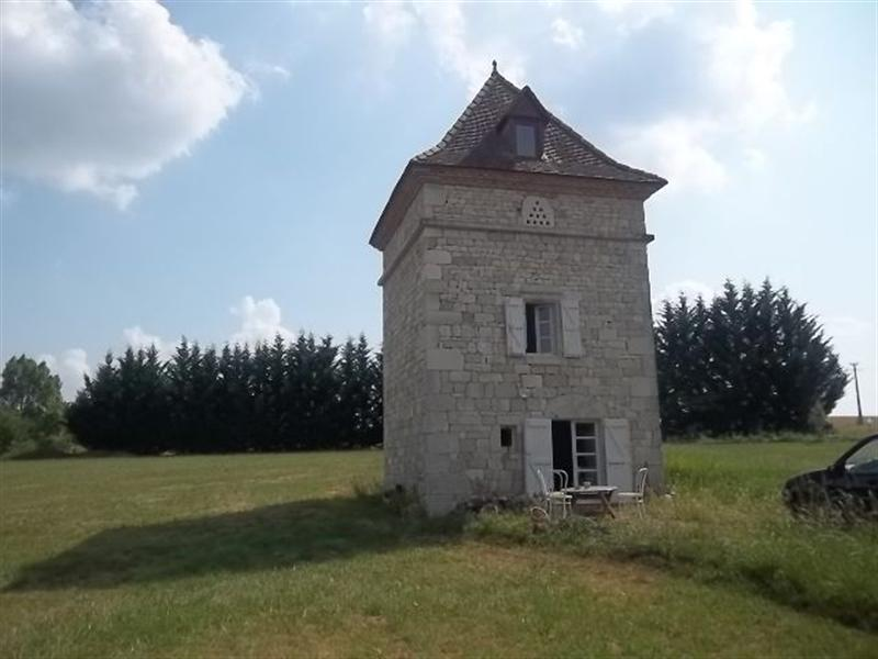Dove tower in the vineyard