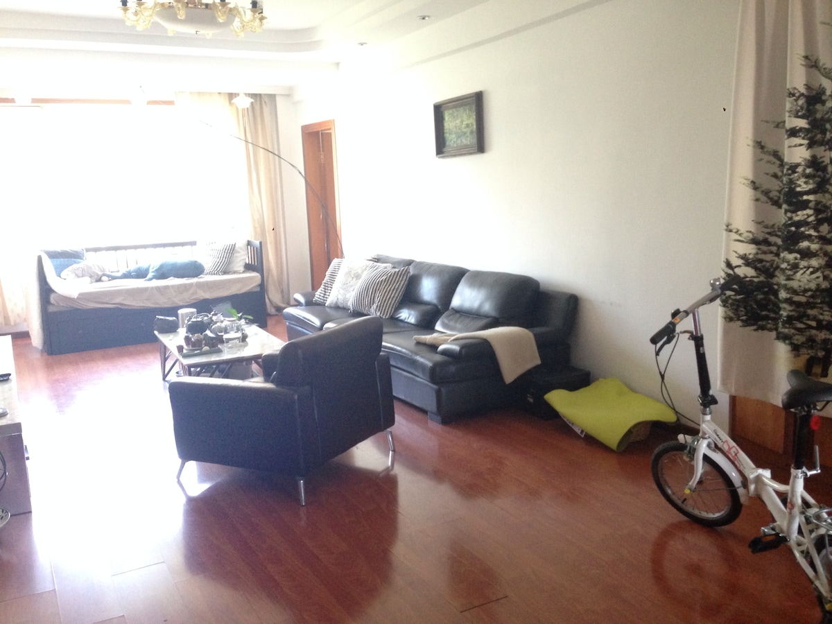 3bed room 2 bath room apartment