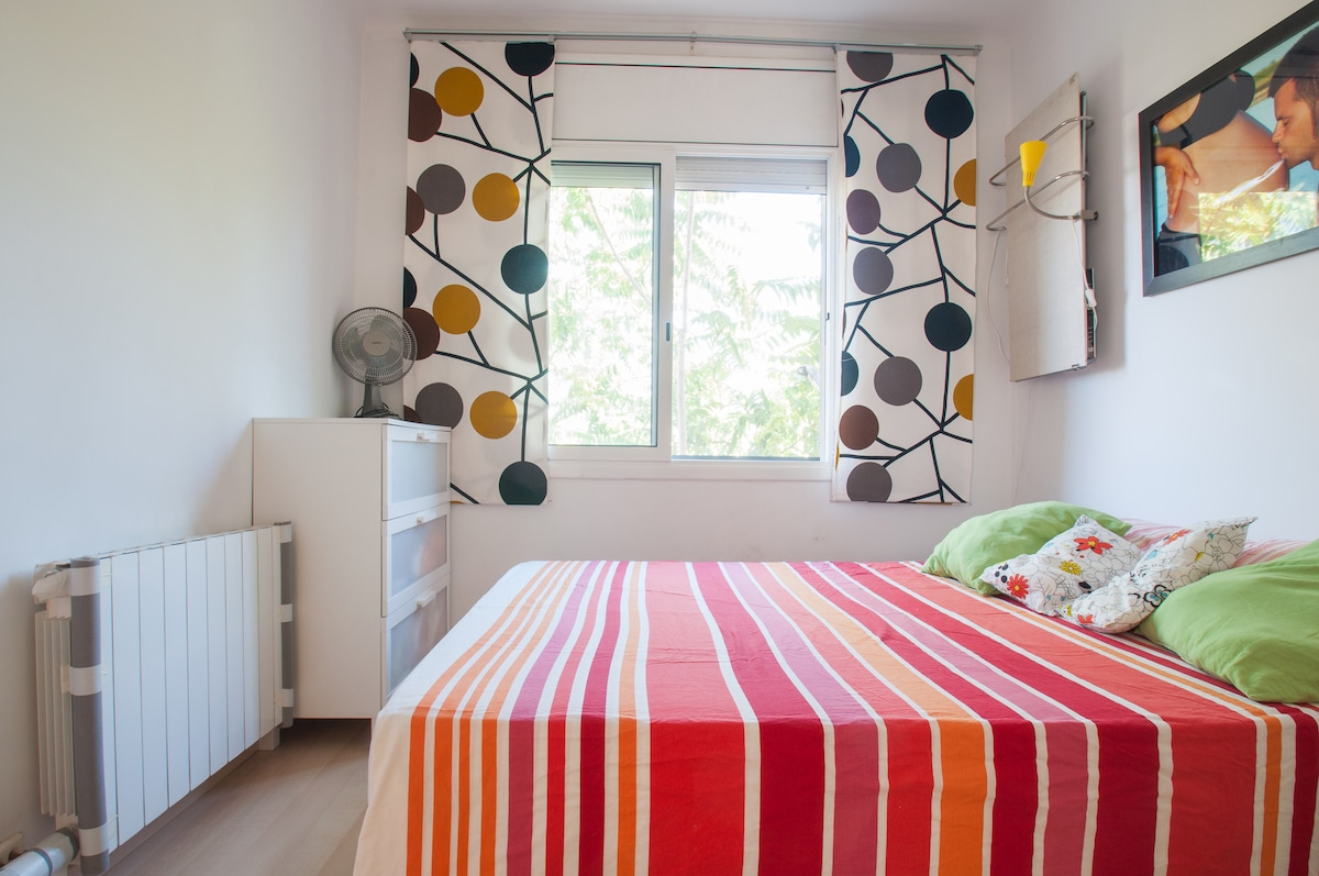 Big bedroom with the big doublebed. Sunny and with good views.