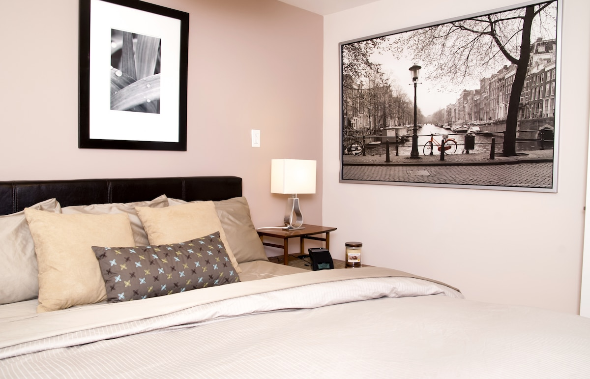 The wam duvet combined with soft sheets will tempt you to sleep in every morning during your stay!