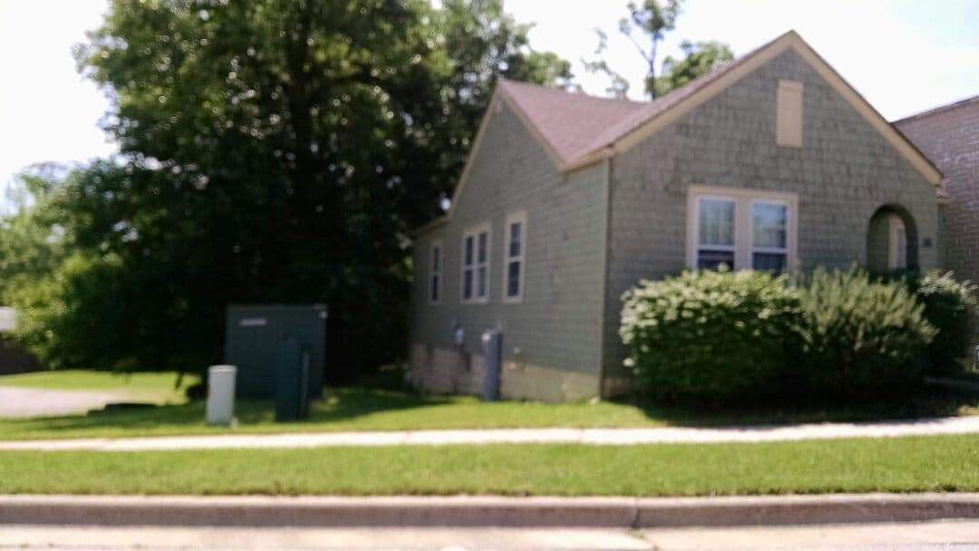Cozy 2br house on the Fox River!