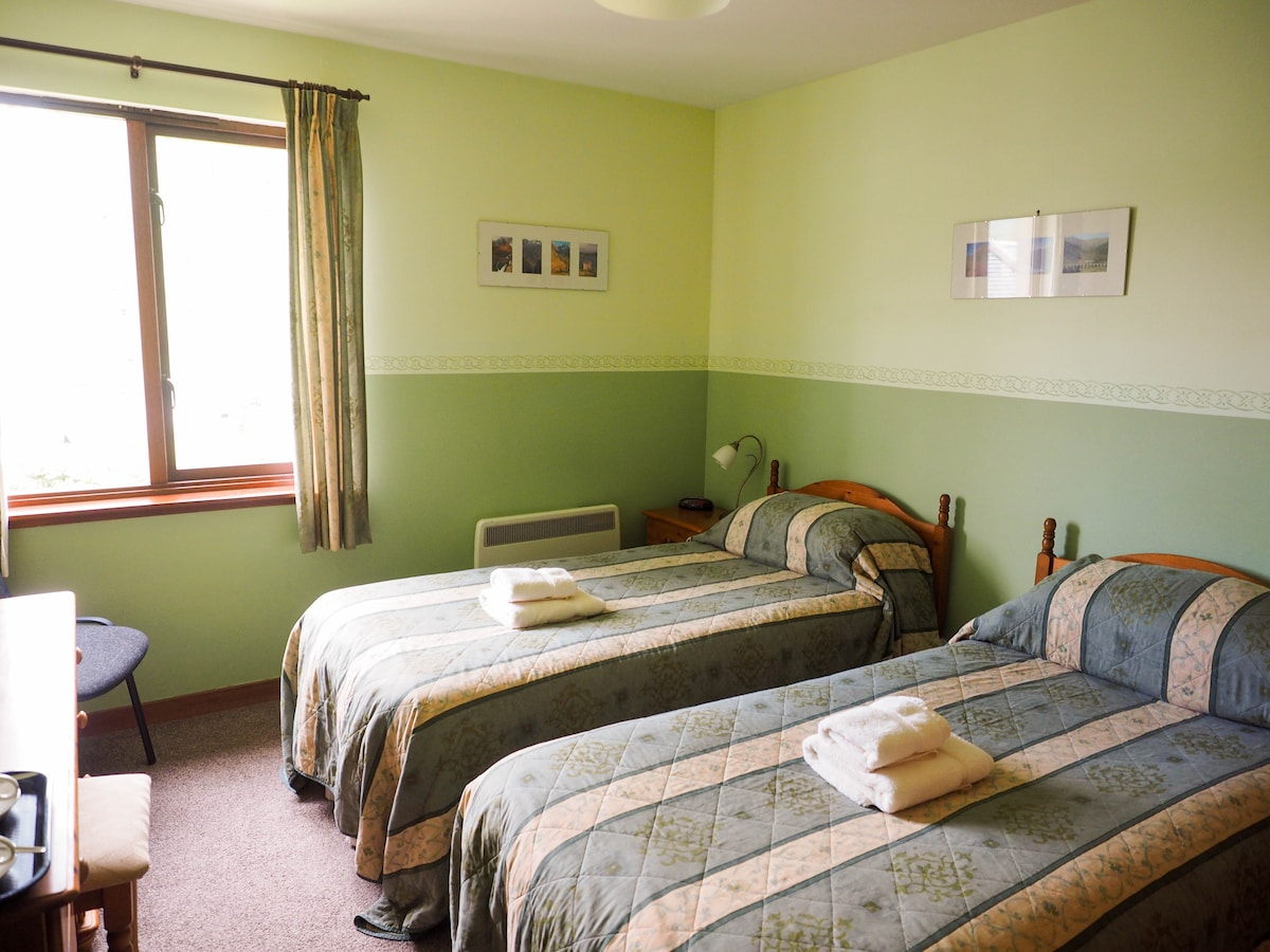 B&B twin room with ensuite