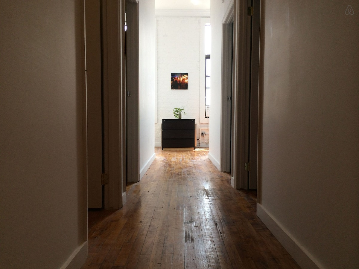 Room in Modern Williamsburg Loft