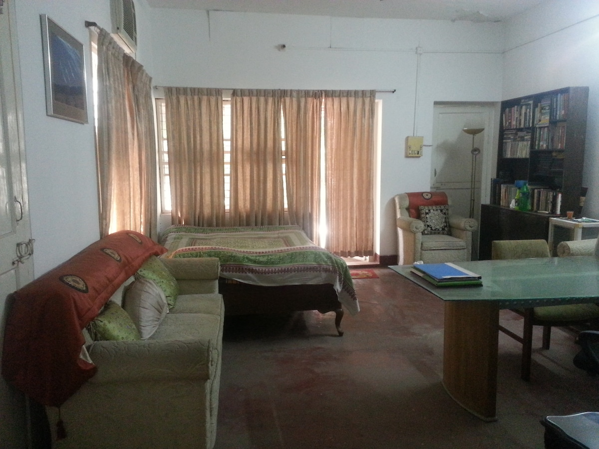 Exclusive & Secure Room in Banani