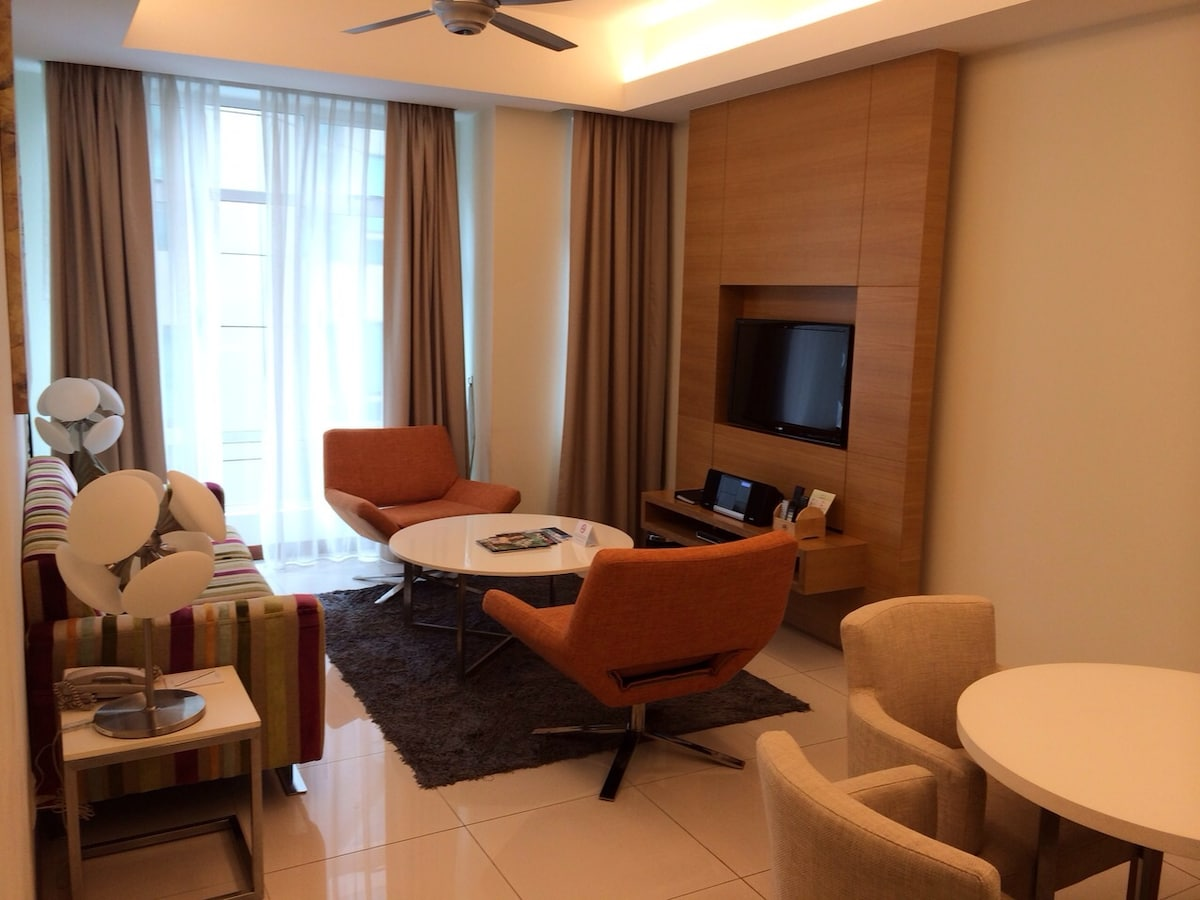 Charming KLCC Fraser Place Condo