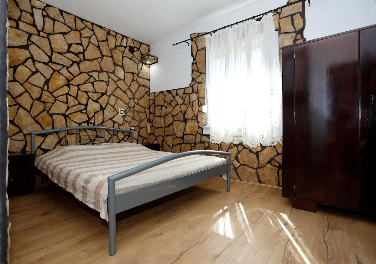 "Room ""Antiqua"" with bathroom"