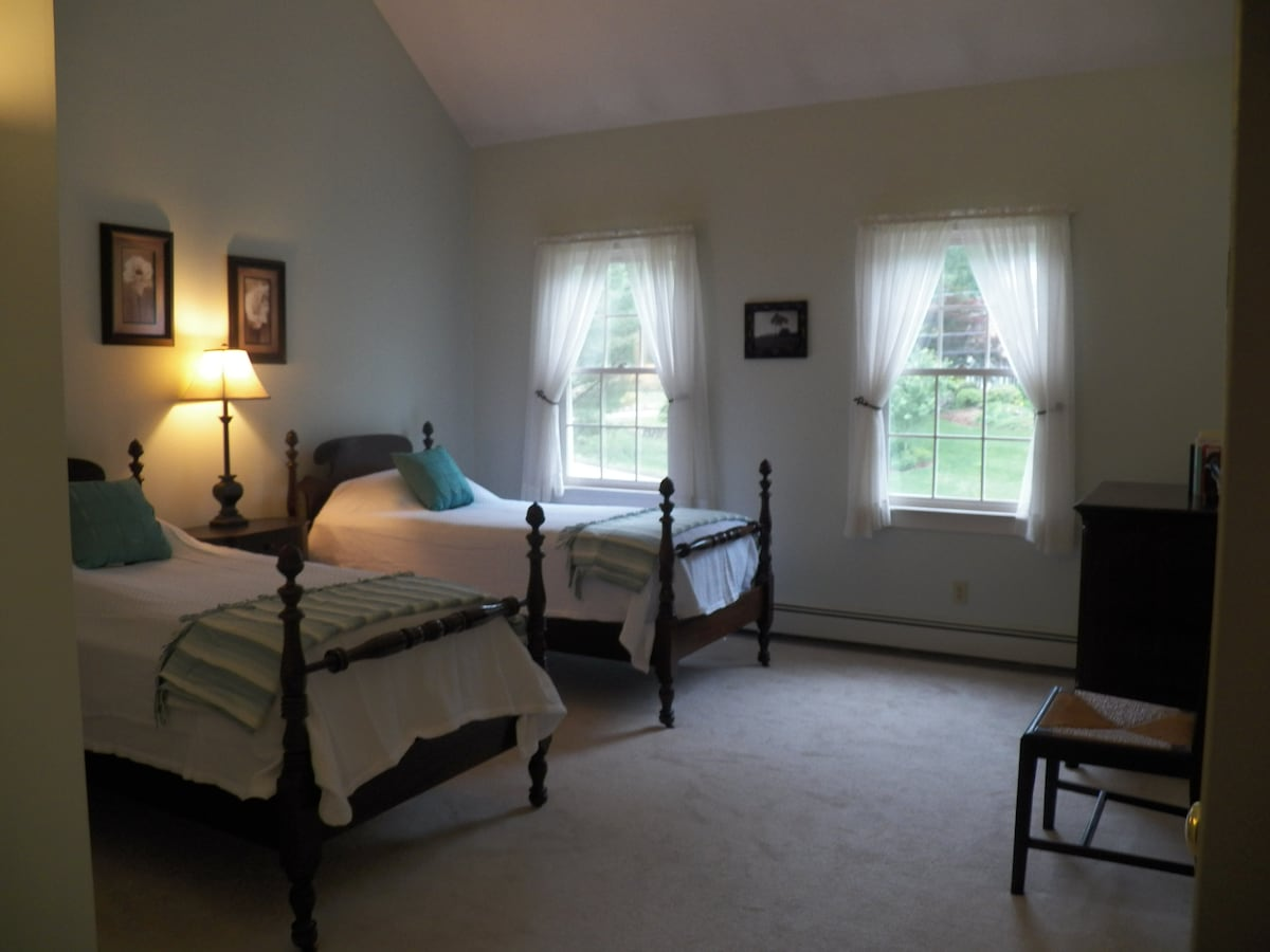 Spacious room in great location!
