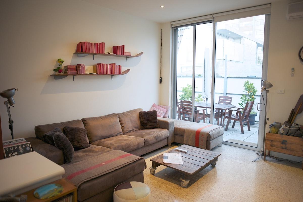 Level 2 lounge area
