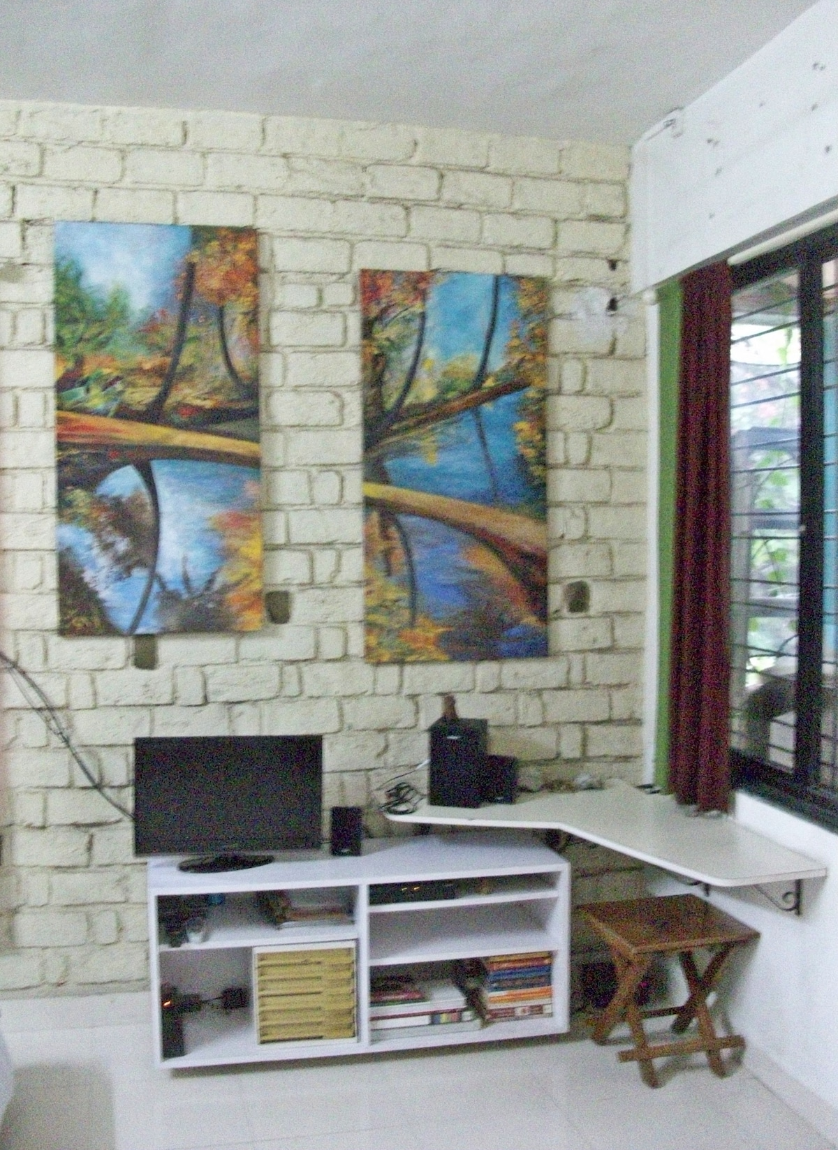 Entertainment and writing space