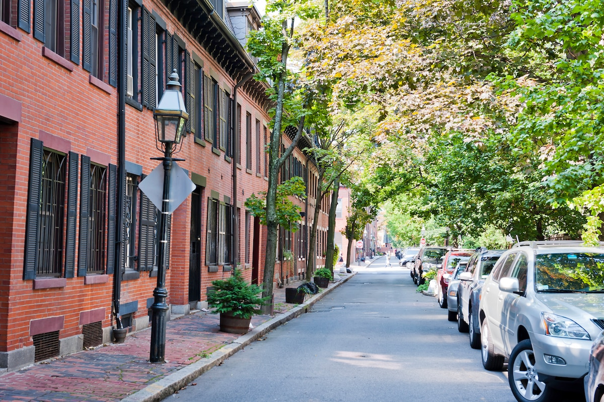 Small Sweet Victorian Street.