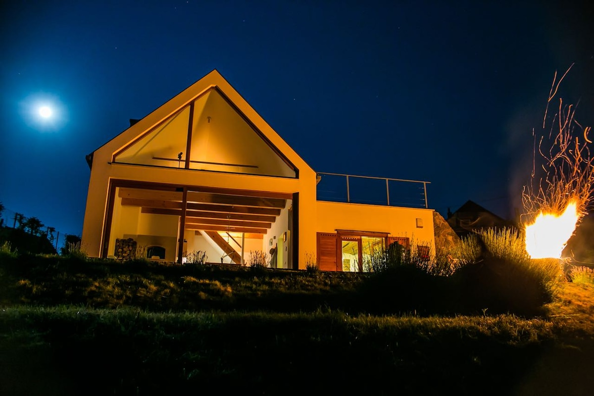 Sky&Earth guesthouse / wine cellar