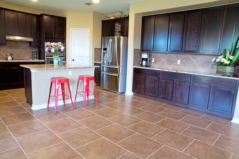Kithchen with stainless appliances. Full access