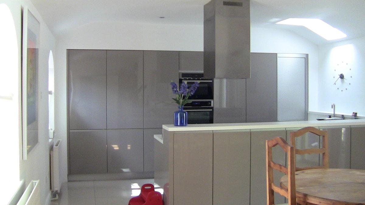Modern home in upmarket Dublin