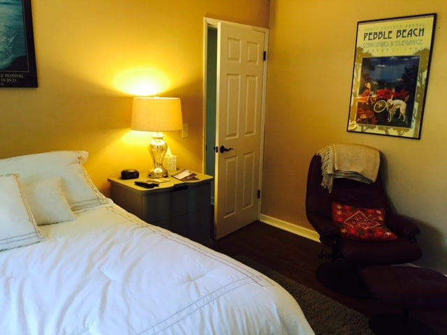New queen bed and fresh bedding in this quiet suite will guarantee a great night's sleep!