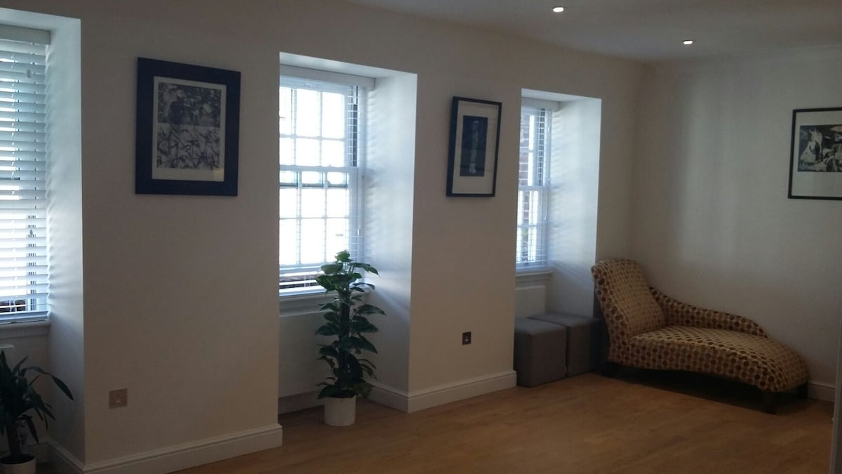 Charming double bedroom in richmond