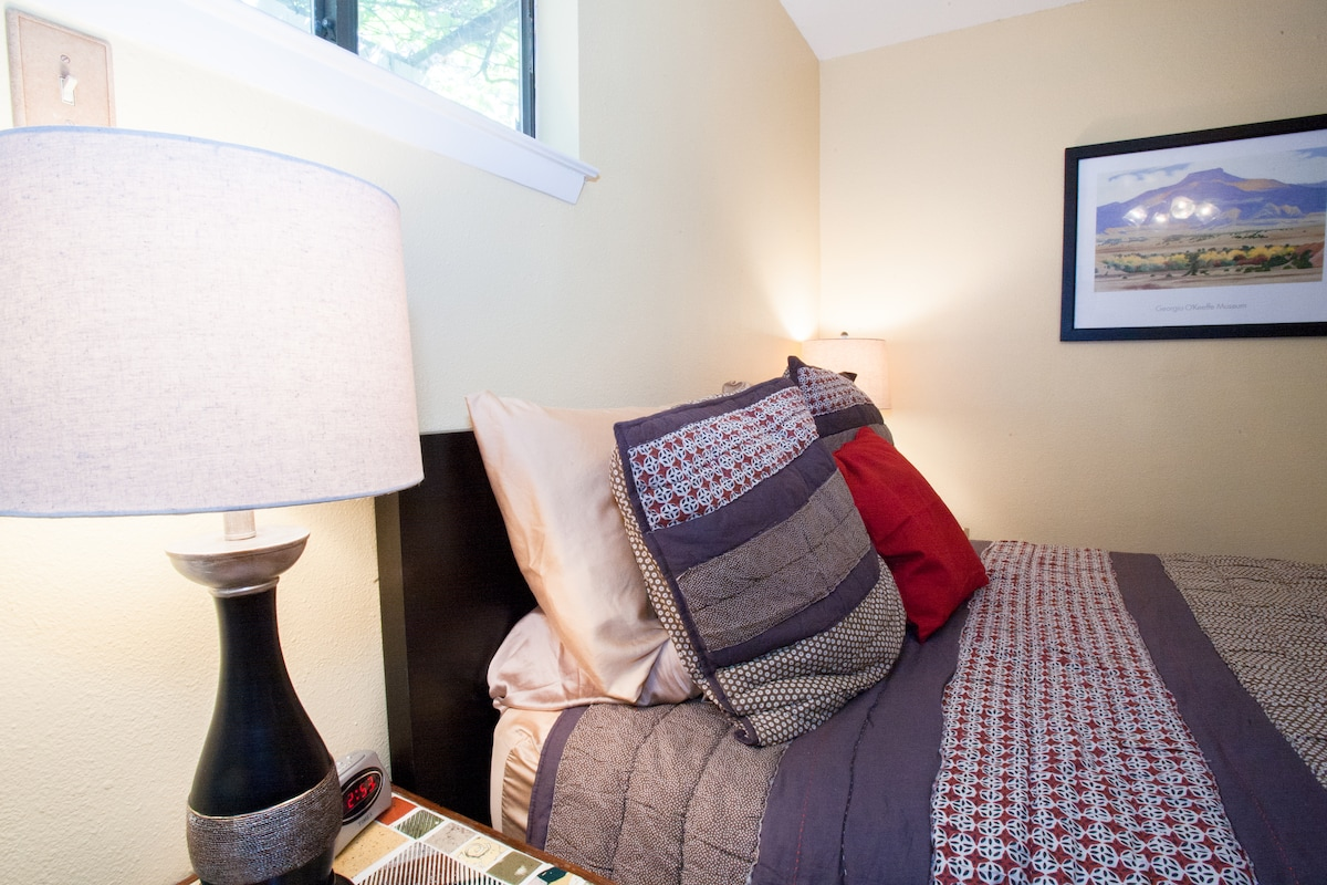 Six types of pillows - memory foam, neck support, side sleeper, back sleeper, and Euro.